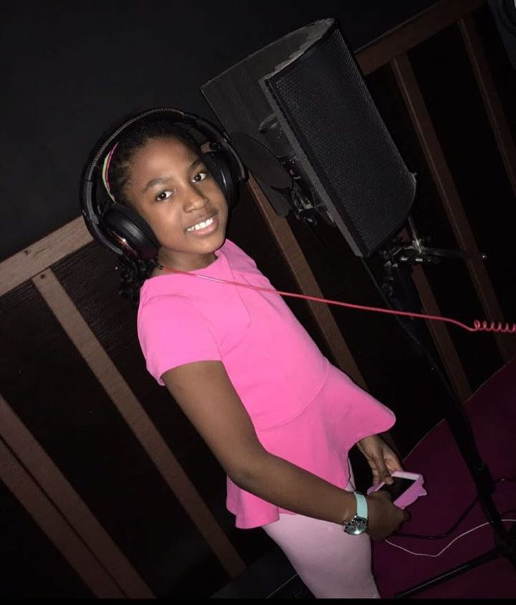 Photo of Wizkid Meets Shina Peller's 11-year-old Daughter, Naomi Who is A Budding Musician