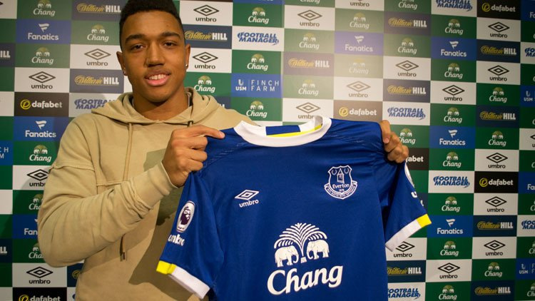 Photo of Everton Signs Anton Donkor On Loan From Wolfsburg