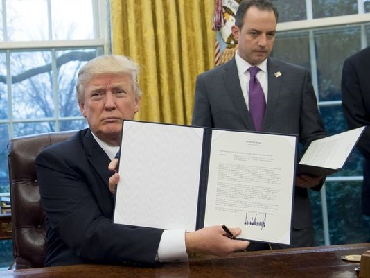 Photo of President Donald Trump Withdraws US from Trans-Pacific Partnership Deal