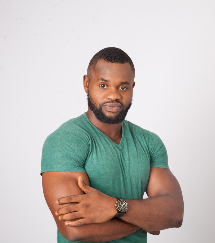 Kemen 907x1024 - #BBNAIJA: See Loved Up Photos Of Housemate, Kemen And His Pretty Girlfriend