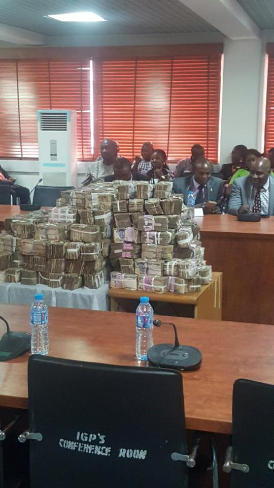 Photo of PHOTOS: Police Recovers N111m Bribe From Electoral Officials In Rivers Rerun