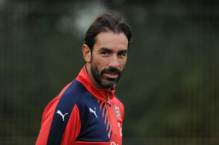 Robert Pires - Arsenal Should Forget Premier League Title If They Lose to Chelsea, Says Pires