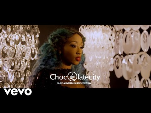 Photo of VIDEO: Victoria Kimani ft. Phyno – 'Lover'