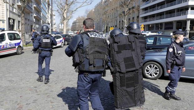 paris imf letter bomb - Letter Bomb Explodes at IMF Headquarters In Paris