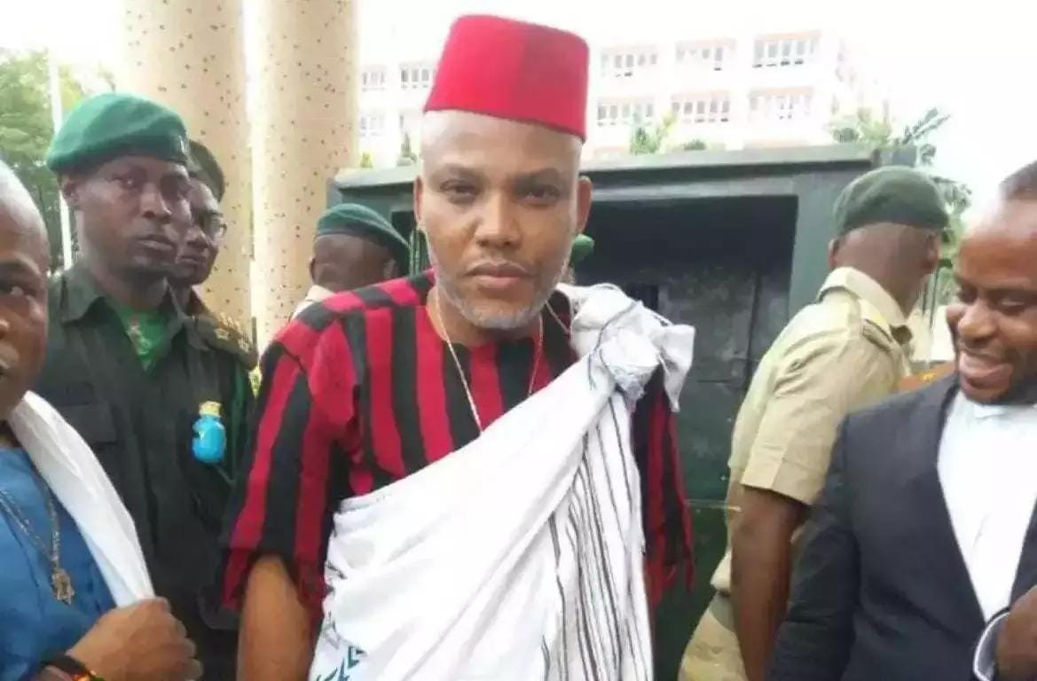 Photo of Nnamdi Kanu Finally Leaves Kuje Prison After Meeting Bail Conditions