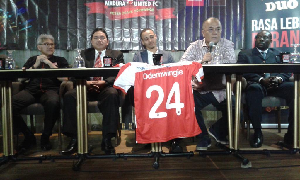 Osaze Odemwingie Signs For Indonesian Club, Madura United
