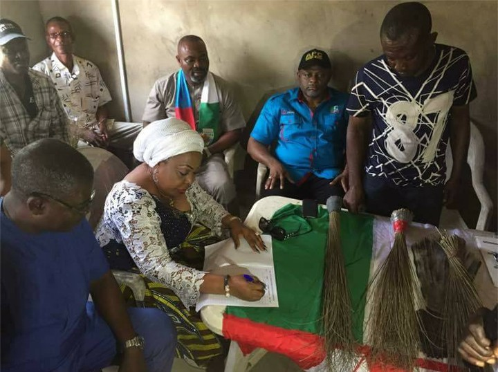 PHOTOS: Senator Florence Ita-Giwa Formally Joins APC
