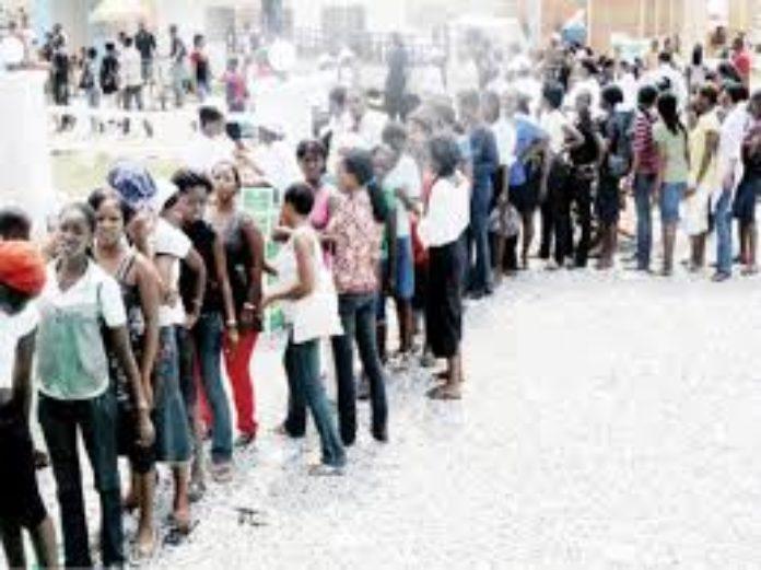 UNE 696x521 - FG Begins Online Registration of Unemployed Nigerians On Wednesday