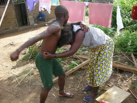 couple fighting 1 - My Wife Doesn't Bathe for Days - Drama in Court as Man Seeks Divorce