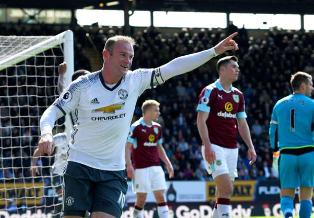 Photo of VIDEO: Manchester United Beats Burnley 2-0 As Rooney, Martial Scores (WATCH Highlight)