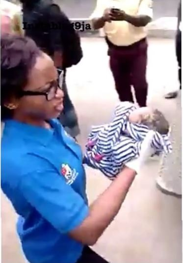 Photo of WATCH: Woman Gives Birth to Baby Boy In Lagos BRT (VIDEO)