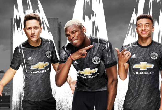 Photo of PHOTOS: Manchester United Unveil New 2017/18 Away Kit