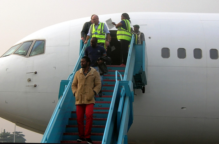 Photo of 90 Nigerians Deported From South Africa Over Immigration-related Offences