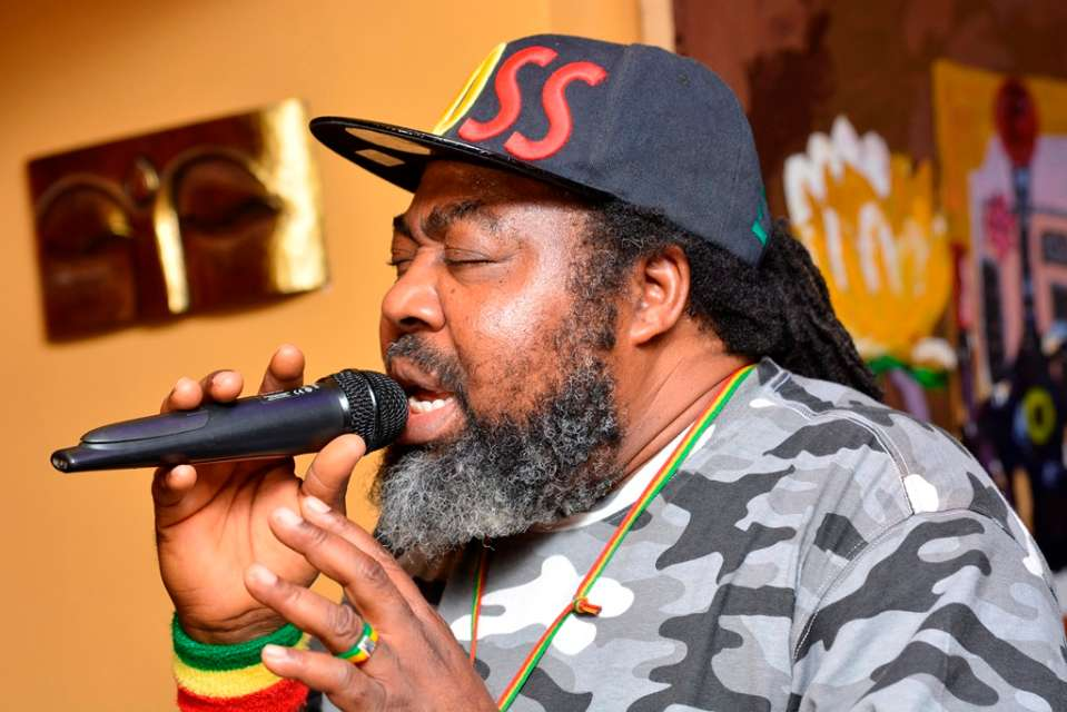 Photo of Young Artistes Of this Generation Only Sing About Butt, Boobs and Other Trashy Things – Ras Kimono Slams