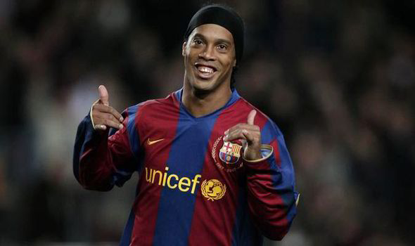 Photo of Ronaldinho Shares Photo With One Of His Idols, Jay-Jay Okocha