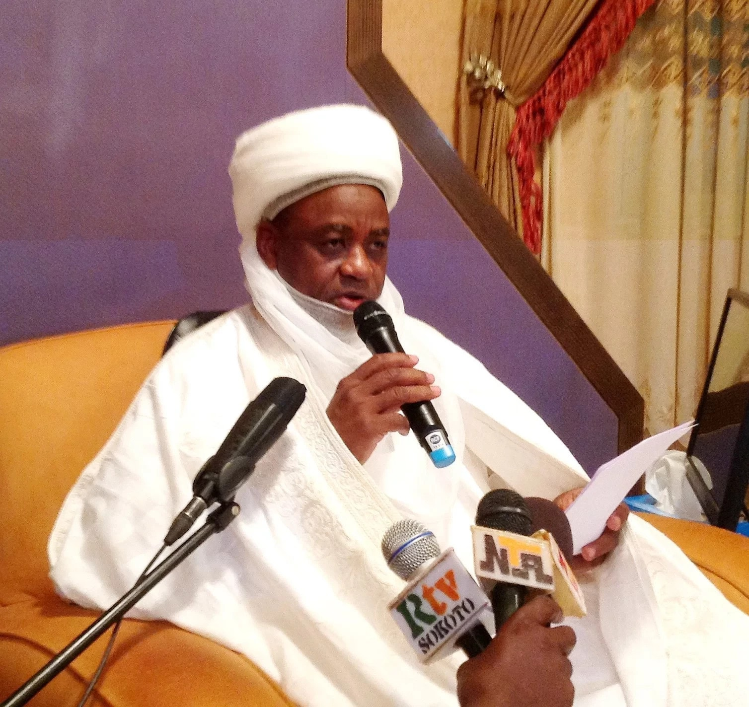 Photo of Sultan calls on Muslims to begin Ramadan fast on Monday