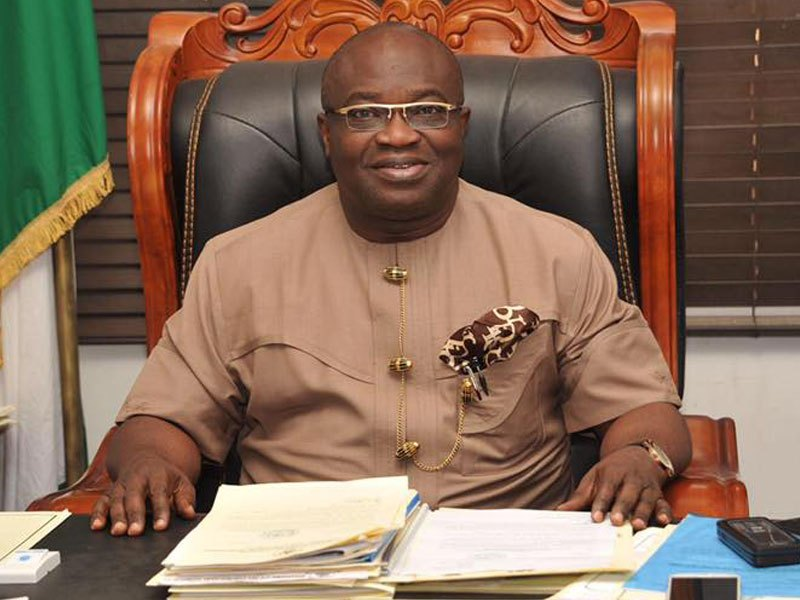Photo of Governor Ikpeazu of Abia State Dissolves Cabinet
