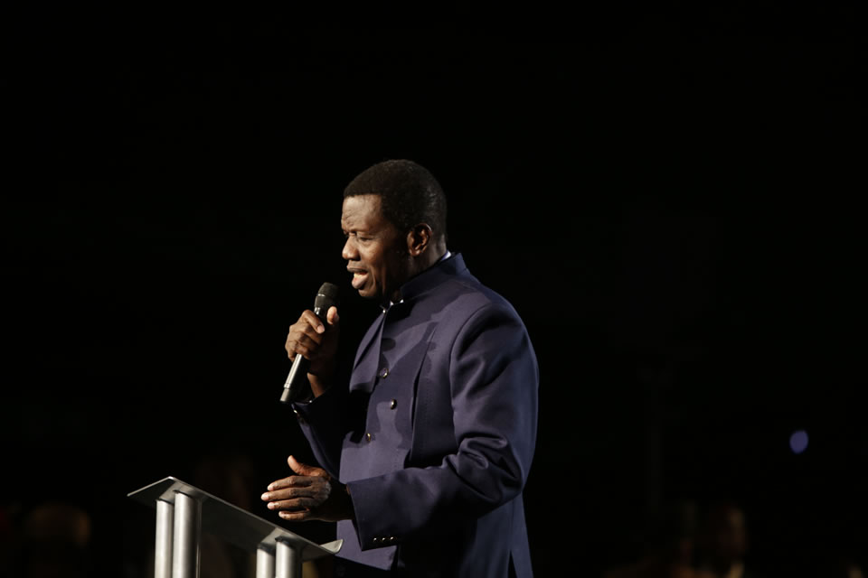 Photo of Pastor Adeboye Warns RCCG Members Against Social Media Marriages