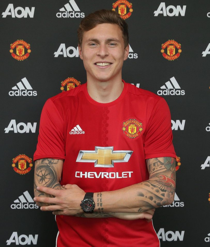 Lindelof - PHOTOS: Manchester United Sign Victor Lindelof for £31m