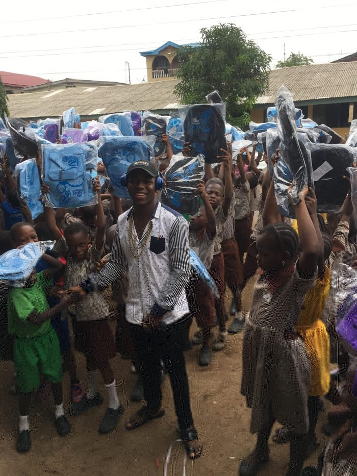 Photo of In Agege: Small Doctor Shows Love To School Children In The Most Inspiring Way