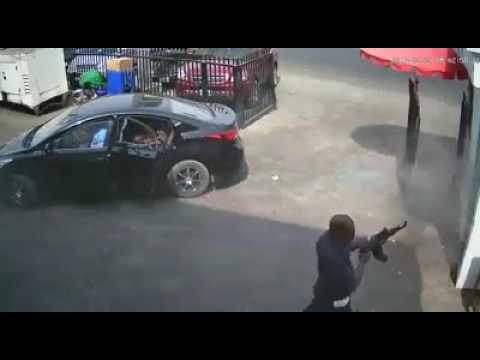 Photo of VIDEO: CCTV Footage of Robbery at Zenith Bank Owerri Surfaces | WATCH
