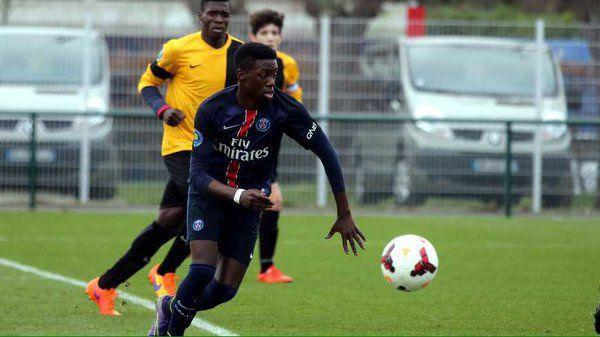 Timothy Weah - Timothy Weah Signs Professional Contract with PSG