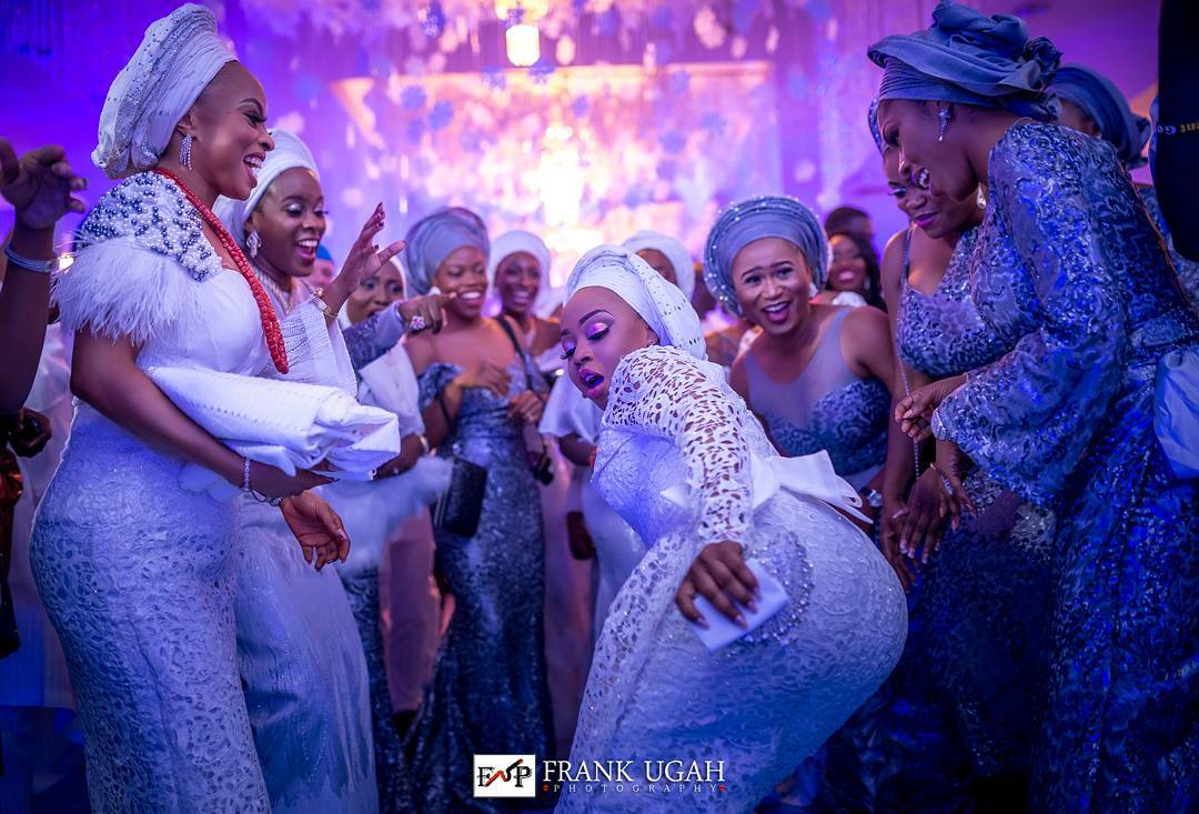 Photo of PHOTOS: Toke Makinwa & Her Sisters Show Off Dancing Moves at Their Wedding Ceremony