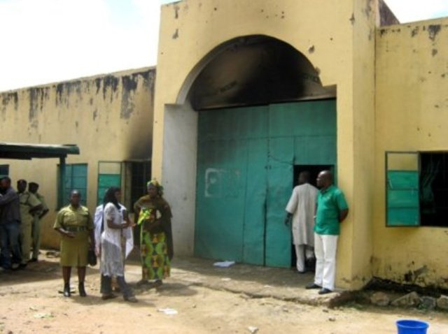 Photo of Fire Outbreak at Kuje Prisons, Abuja