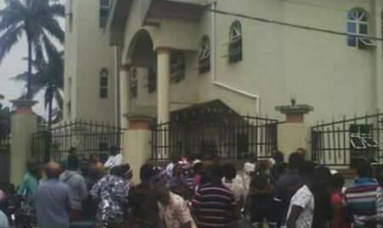 ANAMBRA CHURCH - Nnewi Catholic Diocese Donates N2. 2m to Ozubulu Victims
