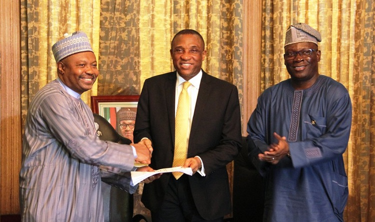 LAGOS FG LODGE - PHOTOS: FG Hands Over Presidential Lodge to Lagos State Government
