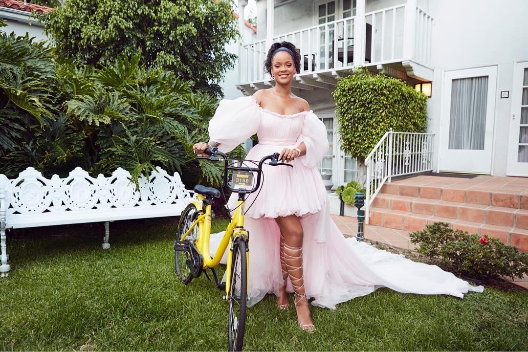 Photo of Rihanna Donates Bicycles to Malawi Schoolgirls