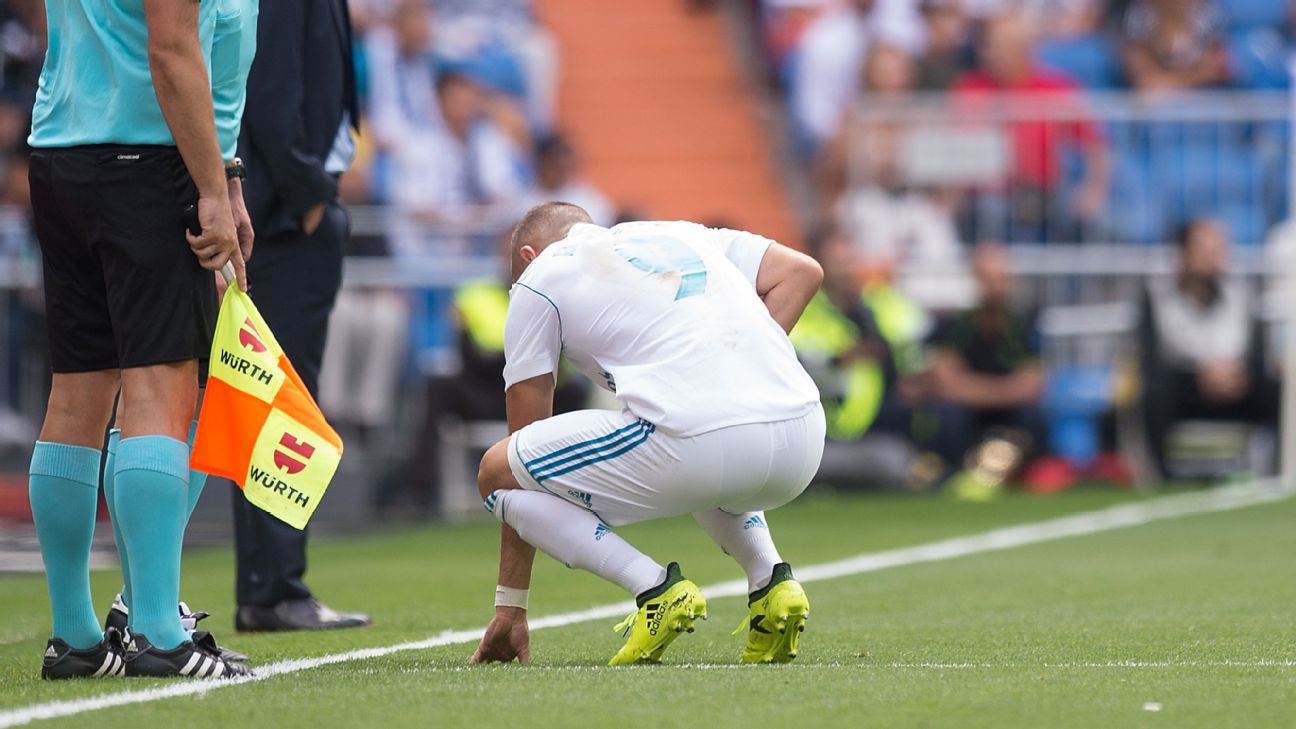 Photo of Benzema Ruled Out For Six Weeks After Playing Against Levante