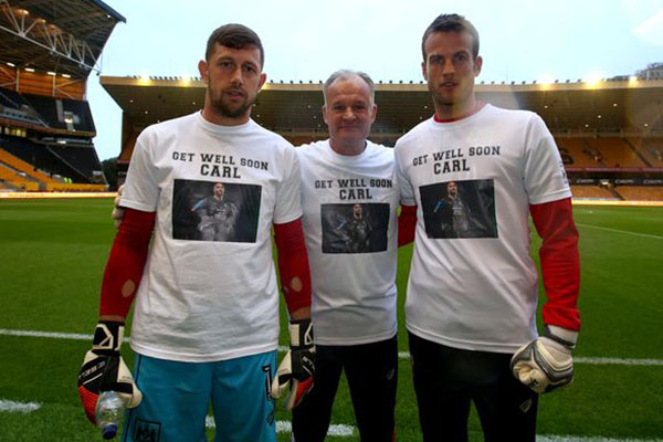 Photo of Bristol City Goalkeepers and Coach Support Ikeme In Leukemia Battle