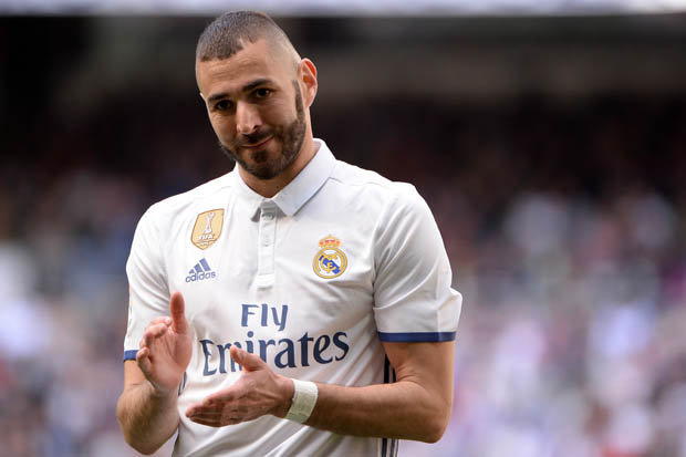 Photo of Karim Benzema Signs New Four-year Contract with Real Madrid