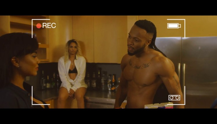 Photo of VIDEO: Flavour ft. Phyno – 'Loose Guard'