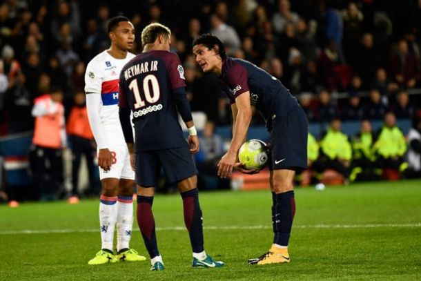 neymar and cavani - Neymar Tells Nasser Al-Khelaifi To Sell Edinson Cavani After Lyon Bust-Up