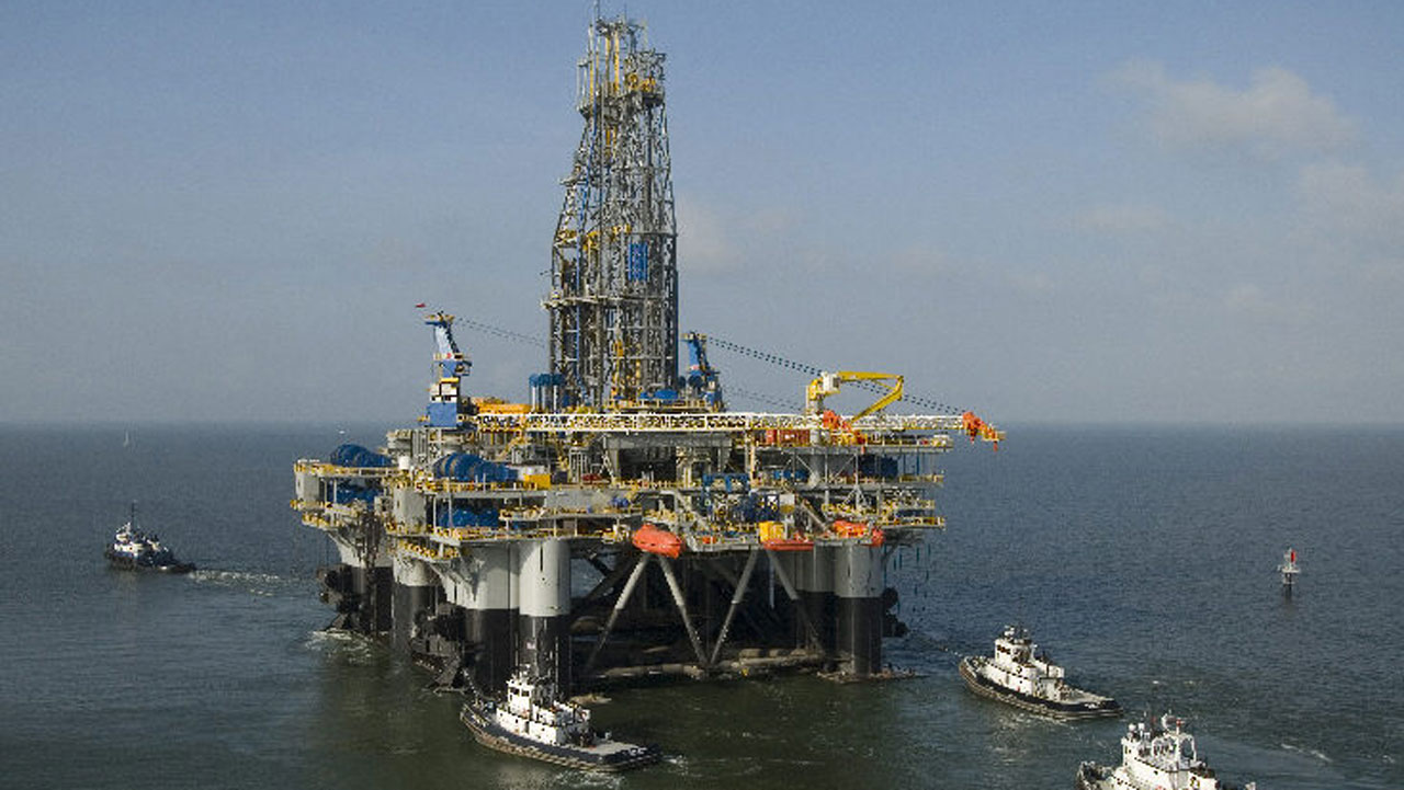 oil rig perdido - Oil Rises to $56 On Rising Refinery Demand