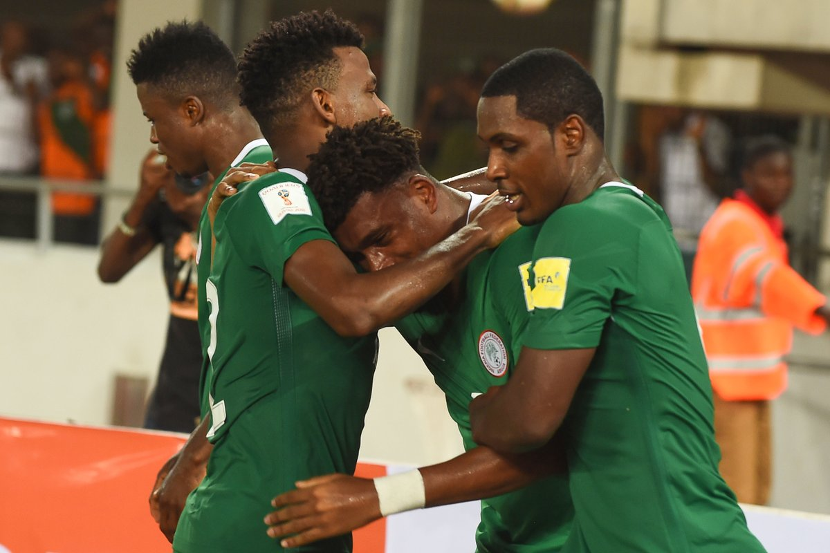 Alex Iwobi Celebrates 1 - Arsenal Congratulate Alex Iwobi Over Nigeria's Qualification For 2018 FIFA World Cup