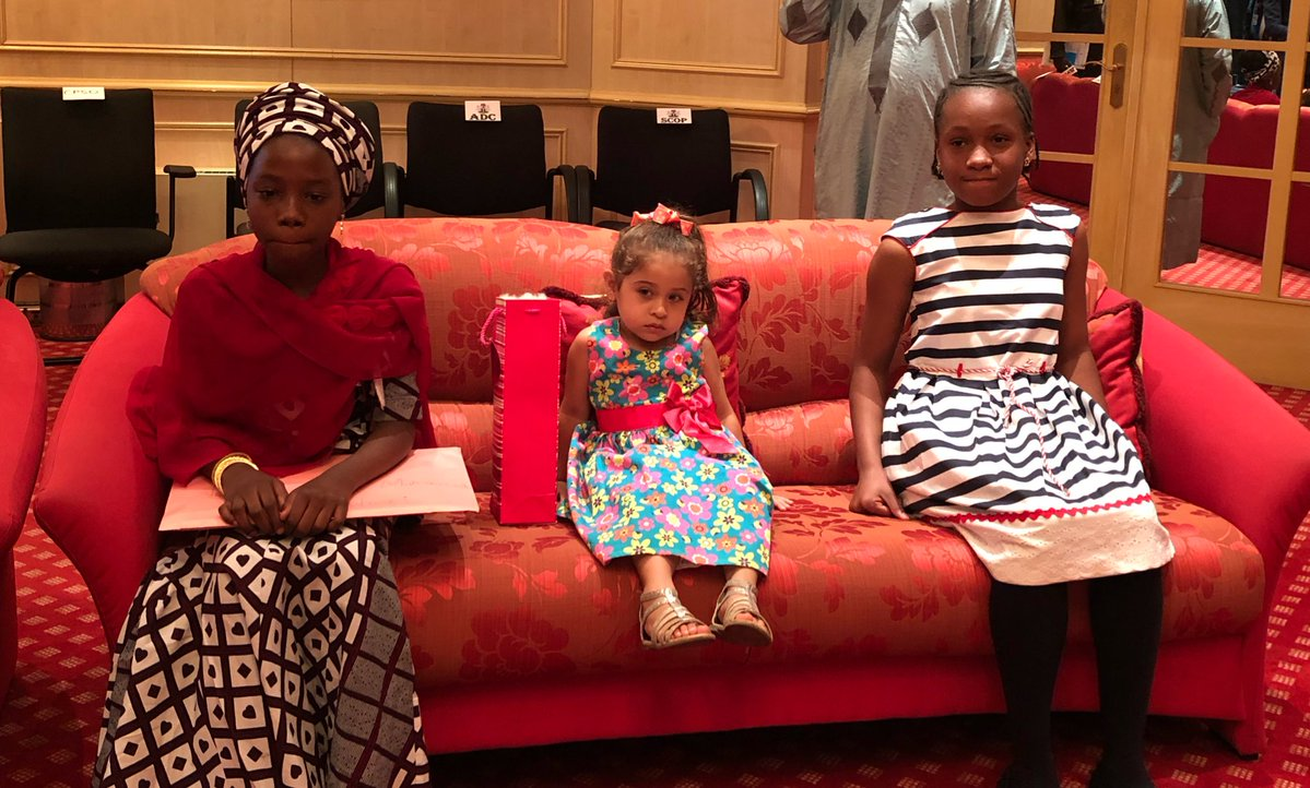 Photo of PHOTOS + VIDEO: President Buhari Meets Young Girl Who Wrote Letter to Him and Two Other Young Supporters