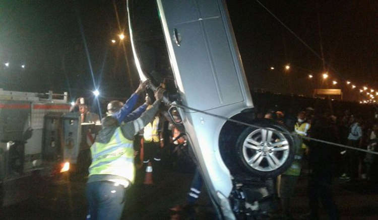 Photo of Passengers Trapped As Vehicle Plunges In Lagos Lagoon After Collision