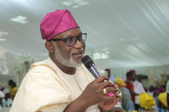 Photo of Akeredolu Reveals Why Oshiomhole Is Not Fit to Lead APC