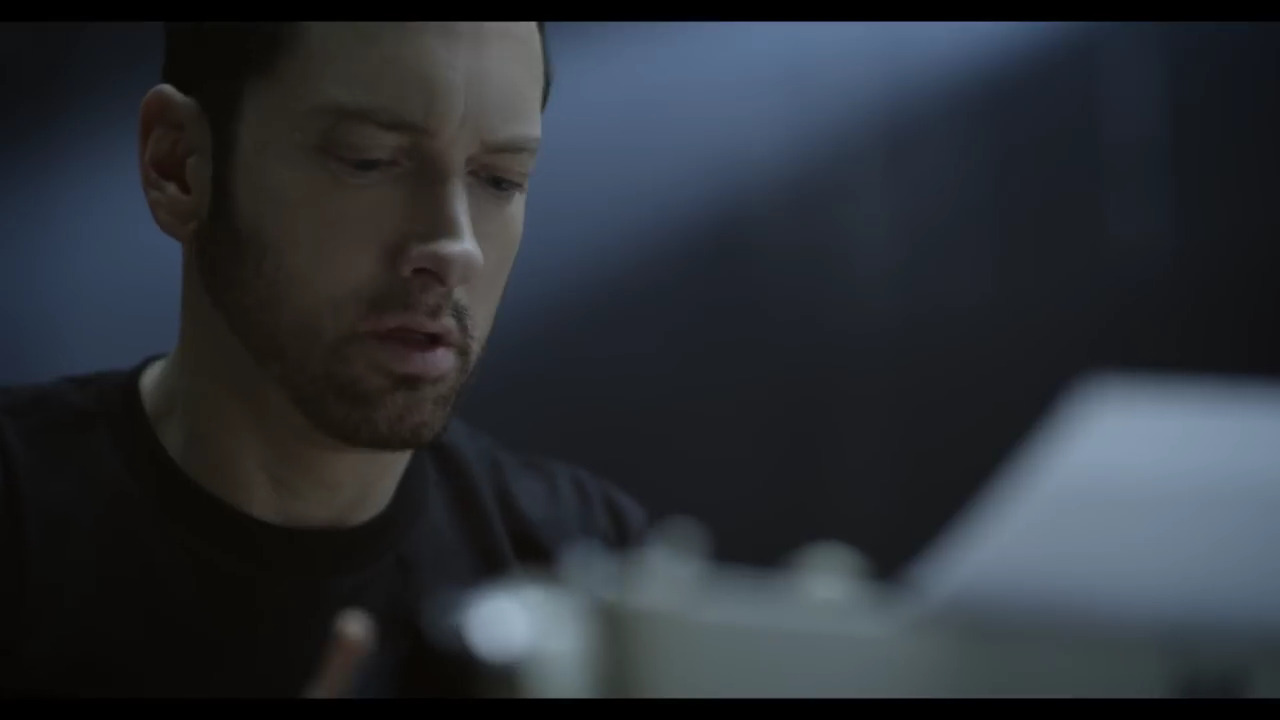 Eminem-Video-Walk-On-Water