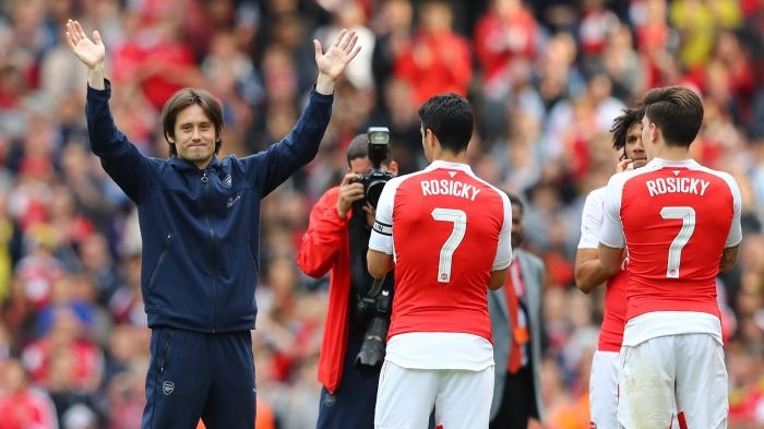 Photo of Former Arsenal Star Rosicky Retires From Football
