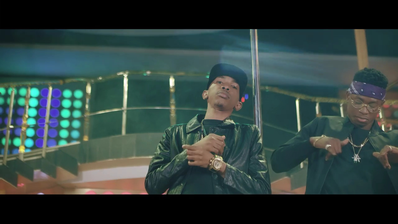 Photo of VIDEO: DJ Consequence ft. Lil Kesh – Water Bottle