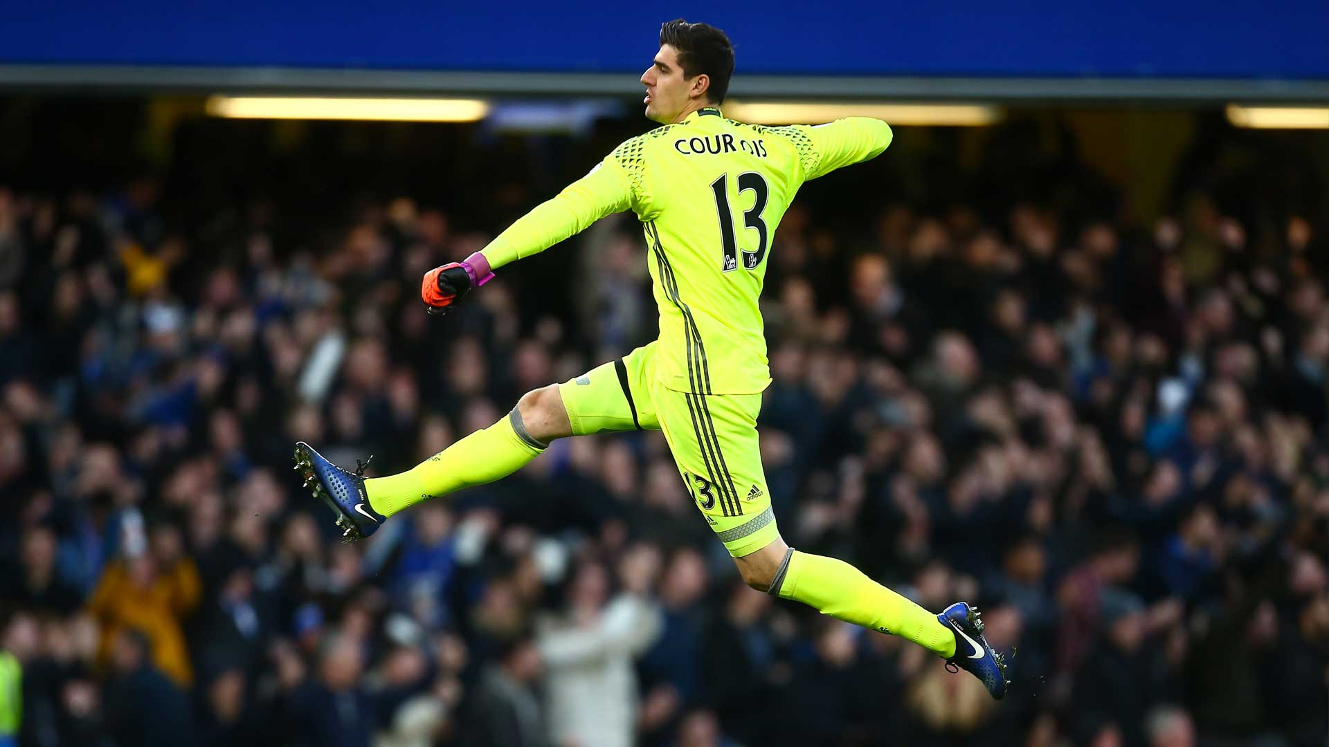 Photo of Chelsea Offer to Make Courtois World Highest-paid Goalkeeper In New Contract