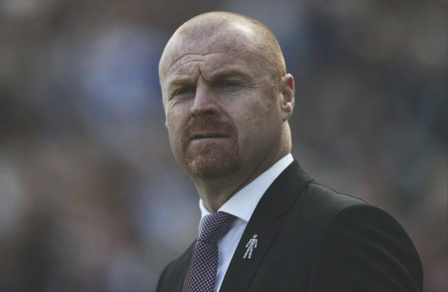 Photo of DONE DEAL: Sean Dyche has signed a new four-and-a-half year contract at Burnley.
