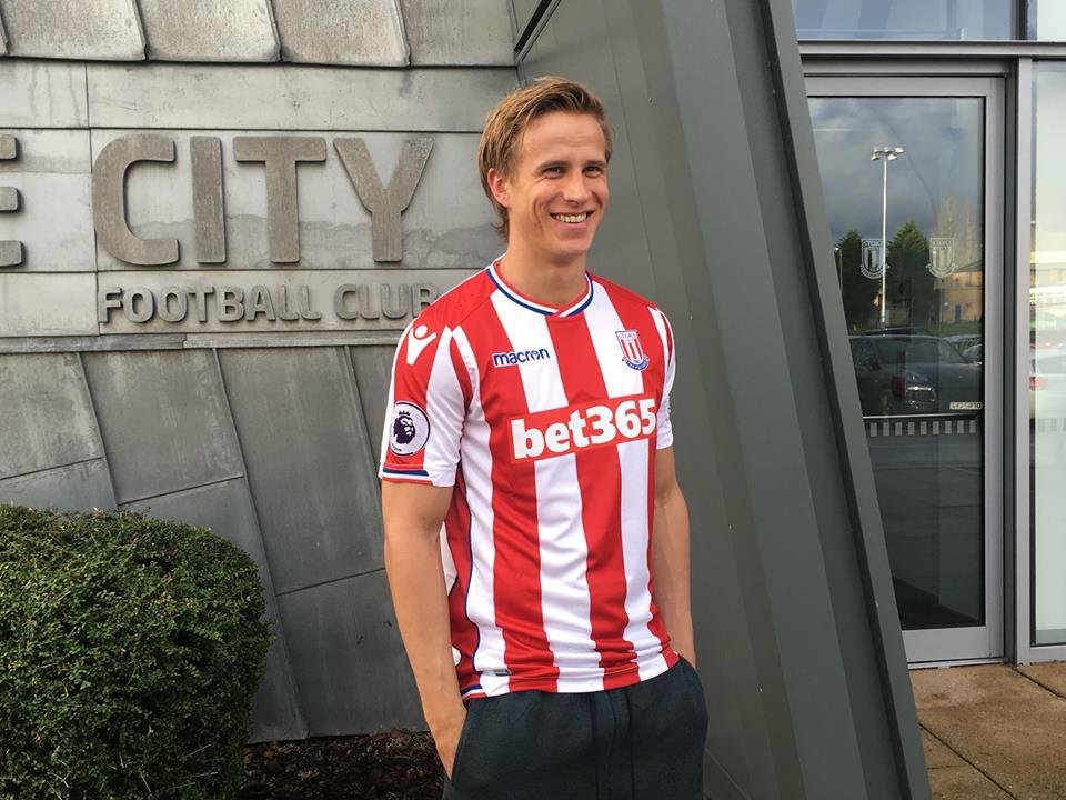 Photo of DONE DEAL: Stoke City sign Austrian international Moritz Bauer from Rubin Khazan