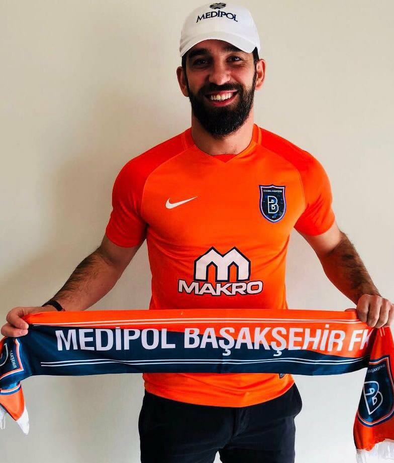 Photo of DONE DEAL: İstanbul Başakşehir sign Arda Turan from Barcelona