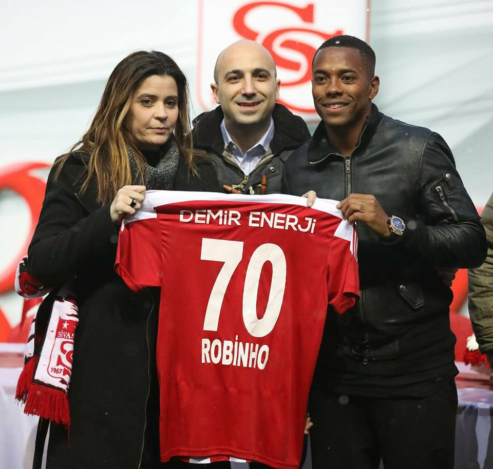Photo of DONE DEAL: Sivasspor officially announce the signing of Robinho