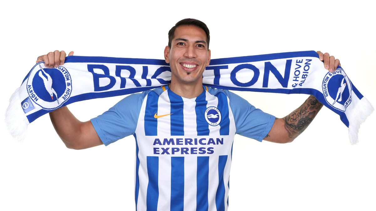 Photo of DONE DEAL: Brighton re-signed striker Leonardo Ulloa from Leicester on loan until the end of the season.